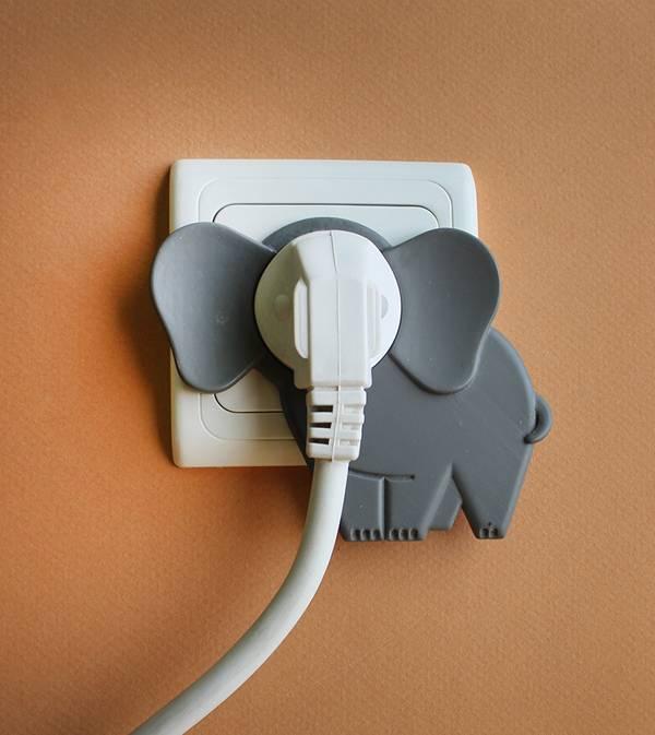 יש פיל בחדר