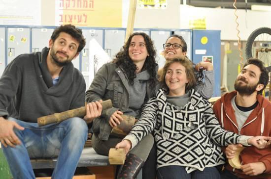 מימין לשמאל: שי, דניאל, נעמה צברי, אילה ואמיר רוזן
