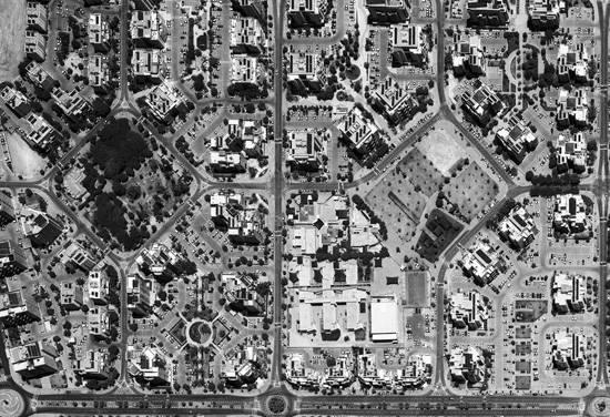 שכונת שער–העיר, נתניה, תצלום אוויר, 2014. צילום: הארכיון הלאומי לתצלומי אוויר, המרכז למיפוי ישראל