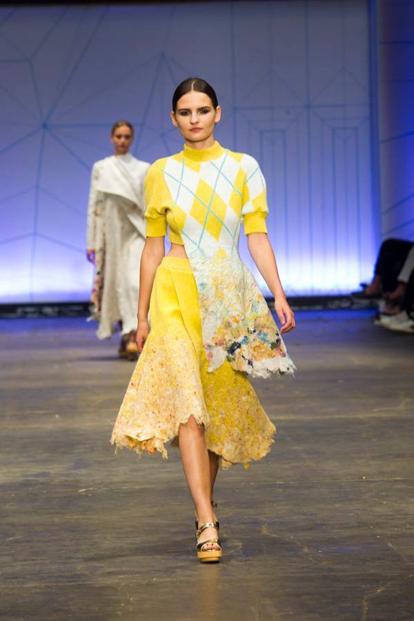Dana_Cohen._Shenkar_fashion_2015._Photo_Rafi_Daloya(3)