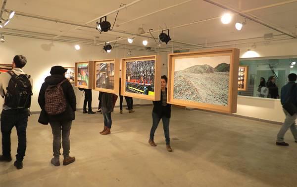 מתוך התערוכה ״מפעלים מצולמים״ של יוסי בן-ארוש ודנה אריאלי שהוצגה ב-2015