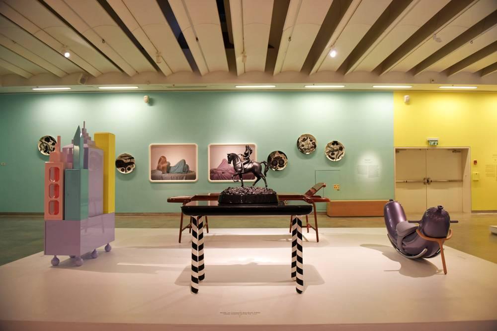 פאנטסטיקו של חיימה חיון במוזיאון העיצוב חולון. צילום: בן קלמר