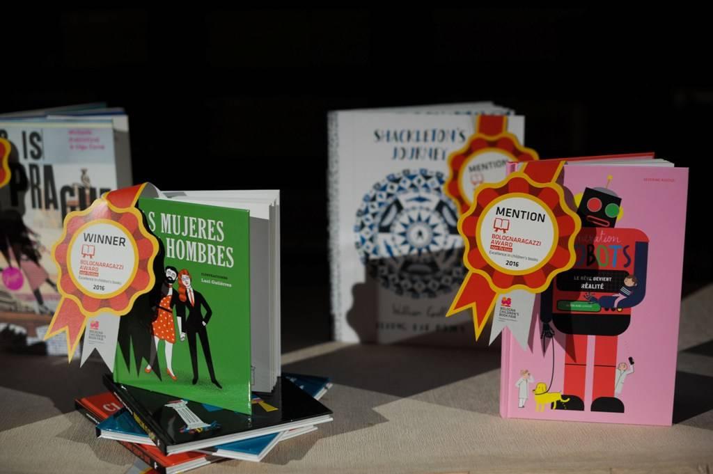 הספרים הזוכים ביריד. צילום: האתר הרשמי של היריד