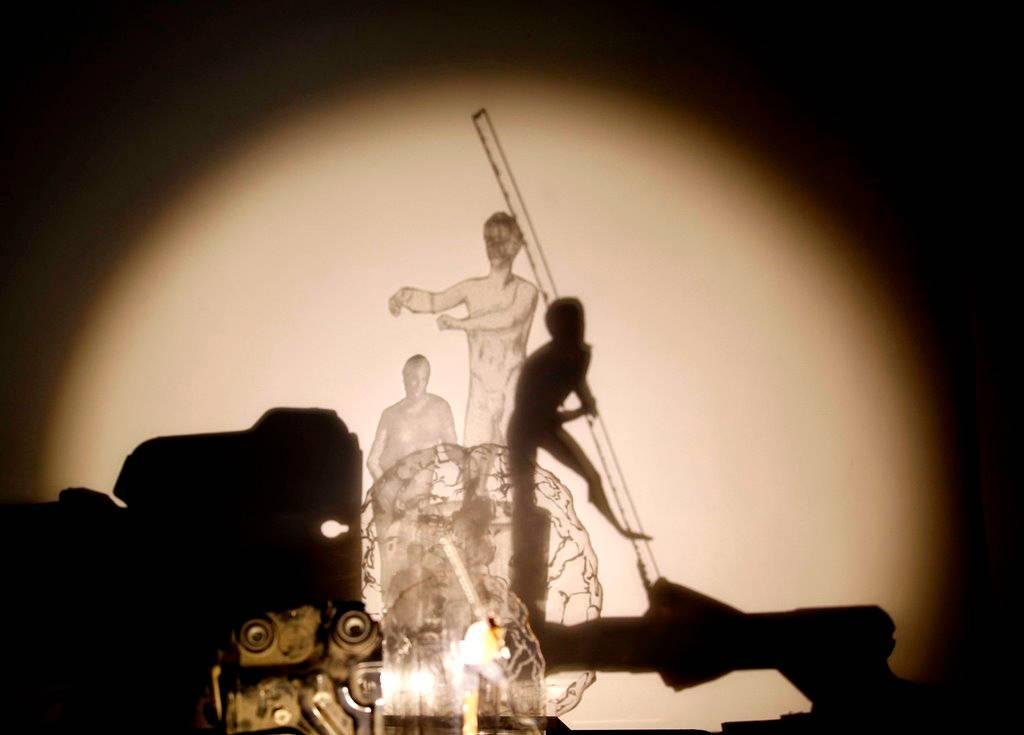 נעה רז מלמד, אפולו גידם, רישום בשקפים וצל, 2016_קרדיט צילום ראובן קופיצ'ינסקי