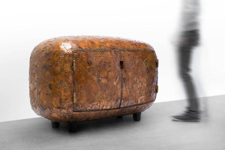 מרטן באאס בגלריה Carpenters Workshop בניו יורק