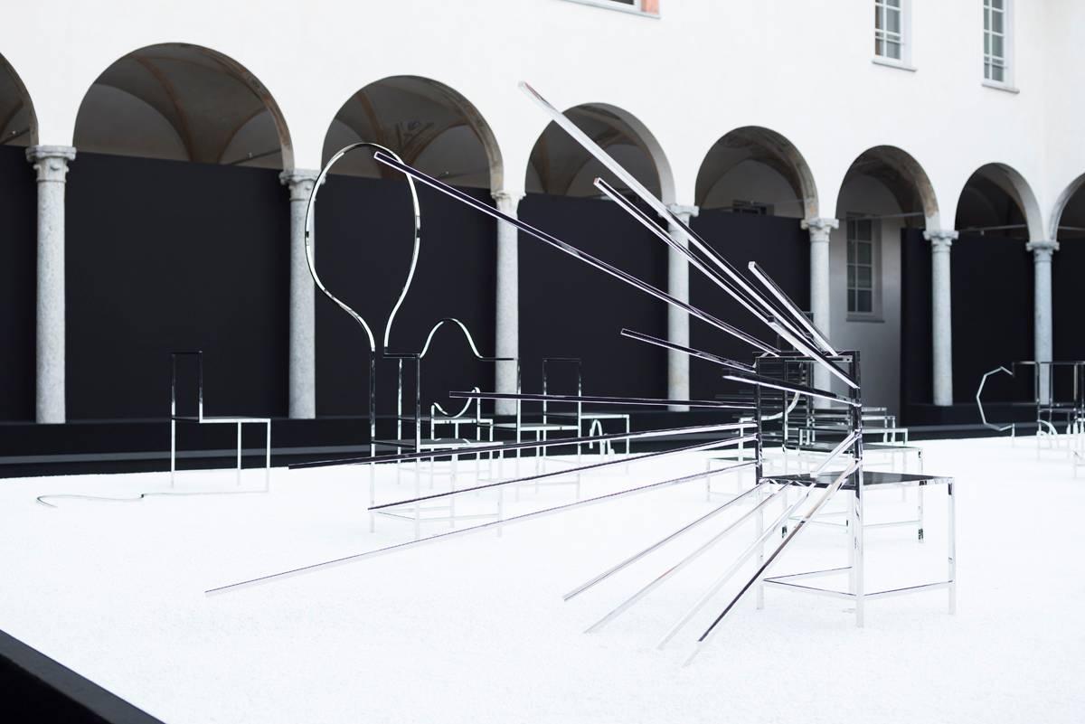 סטודיו ננדו, 50 כיסאות מנגה. צילום: Takumi Ota