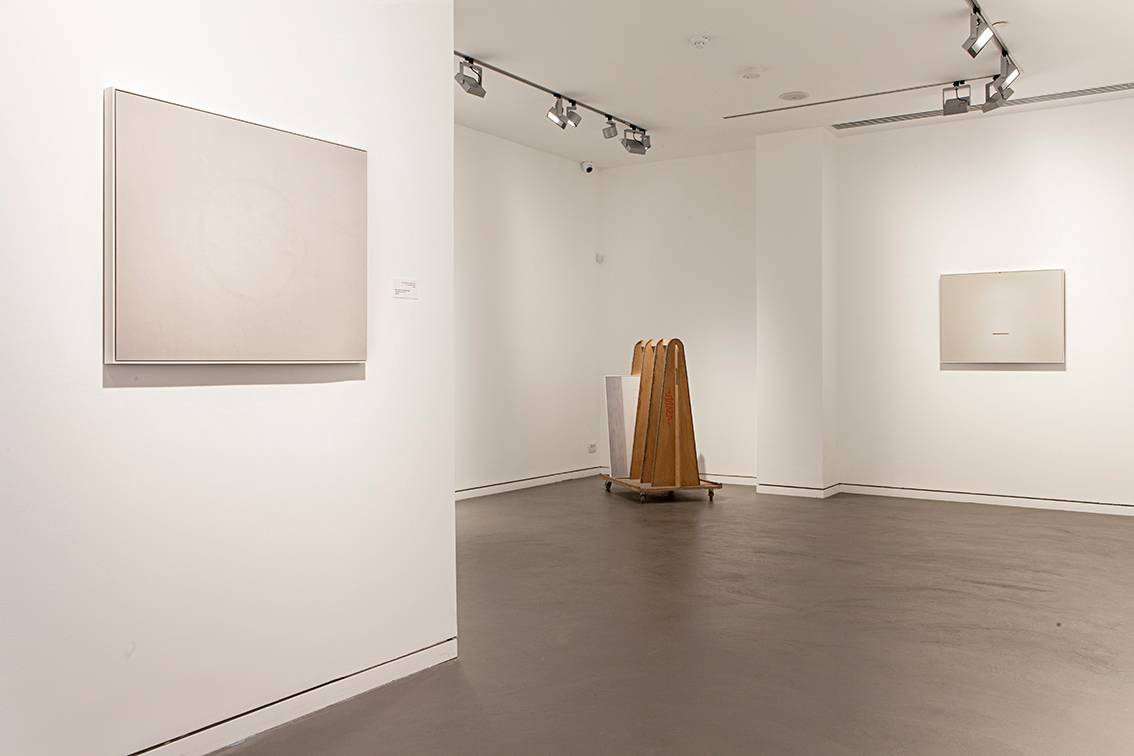 7_Michal Tobiass, Bearing Wall, Exhibition view (Basis gallery)_5