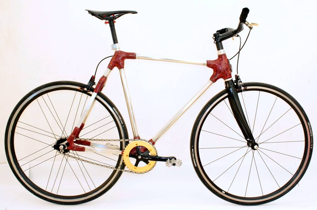 Atar Brosh red bicycle domestic fabrication 005