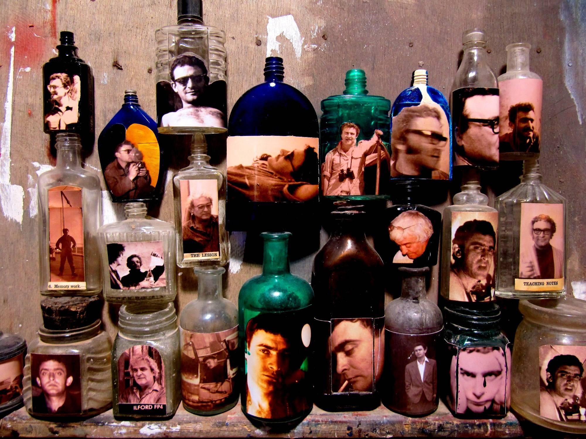 צבי טולקובסקי - בקבוקים ודיוקנאות עצמיים, אוסף מצטבר