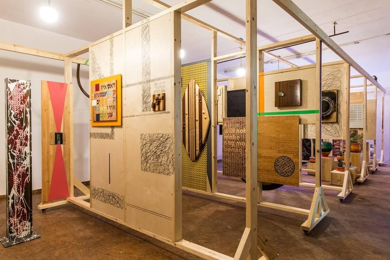 גיא זגורסקי, מראה הצבה בתערוכה מטפס על הקירות