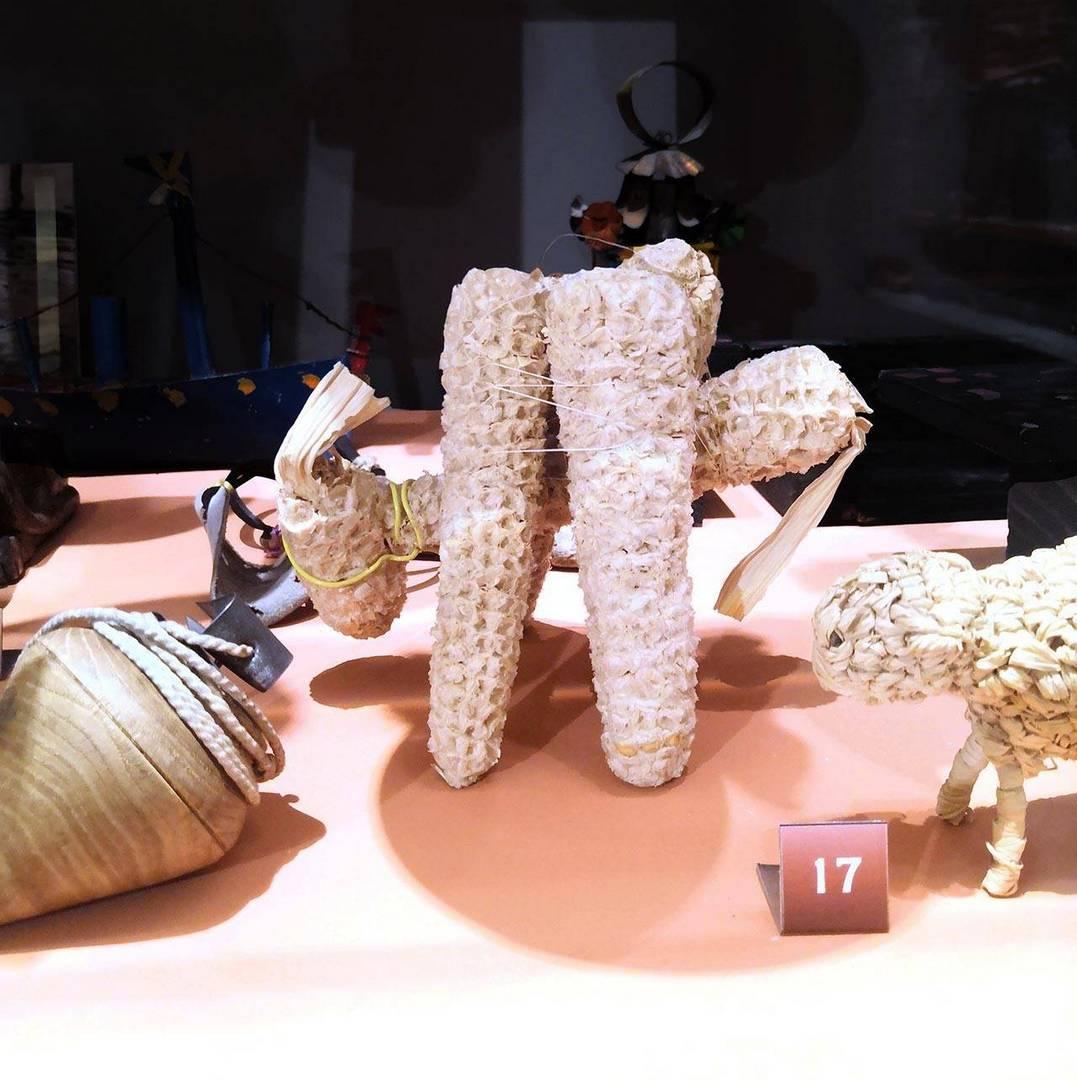 צעצוע בדמות חמור עשוי תירס, מוזיאון הצעצועים באתונה