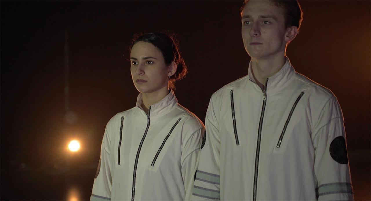 אדריאן ליפסון, Moon Dogs, בביצוע של מאיה בוצר שמחון וניית׳ן צ׳יפס