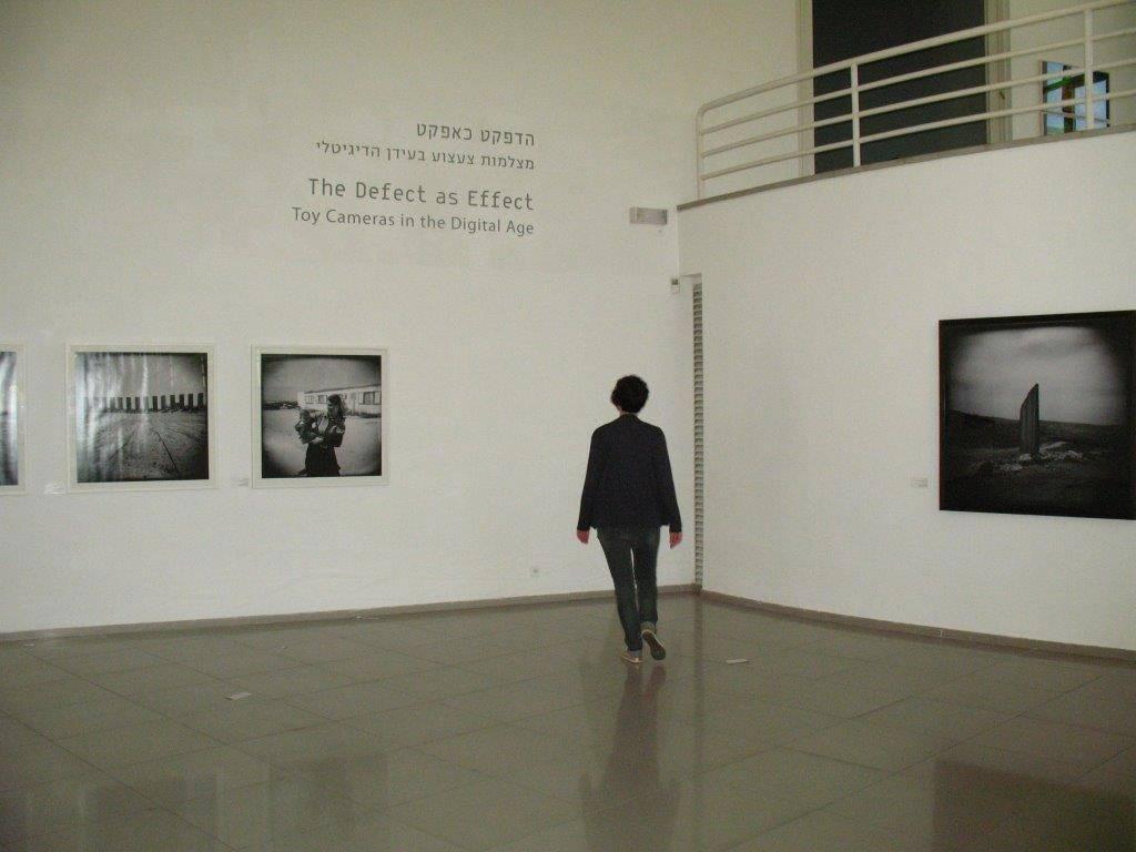 הכניסה לתערוכה עם מיקי קרצמן
