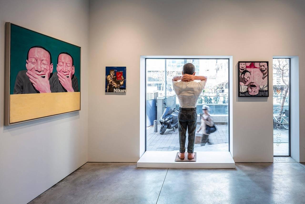 גלריה סות׳ביס, תל אביב