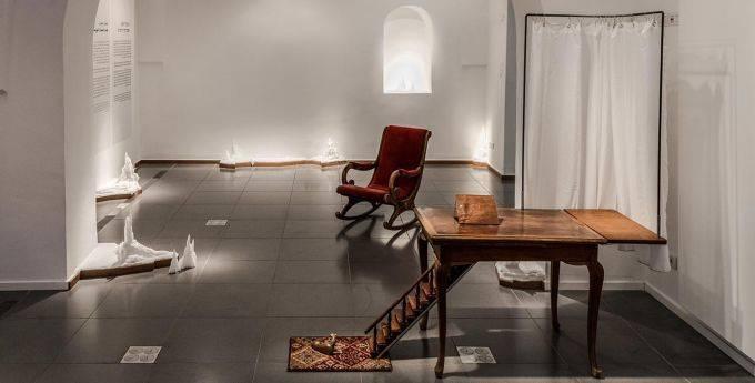 ענבל הופמן בבית טיכו. צילומים: אלי פוזנר, מוזיאון ישראל