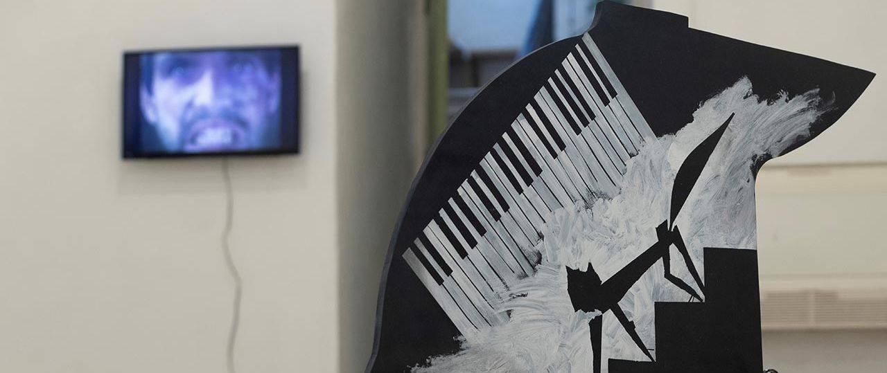 אורי דובדבני, באין פסנתר