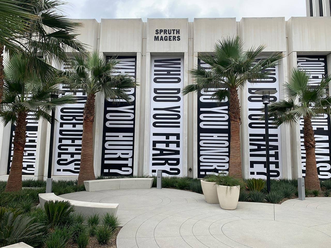 ברברה קרוגר, גלריה ספורת׳ ומאגרז, לוס אנג׳לס