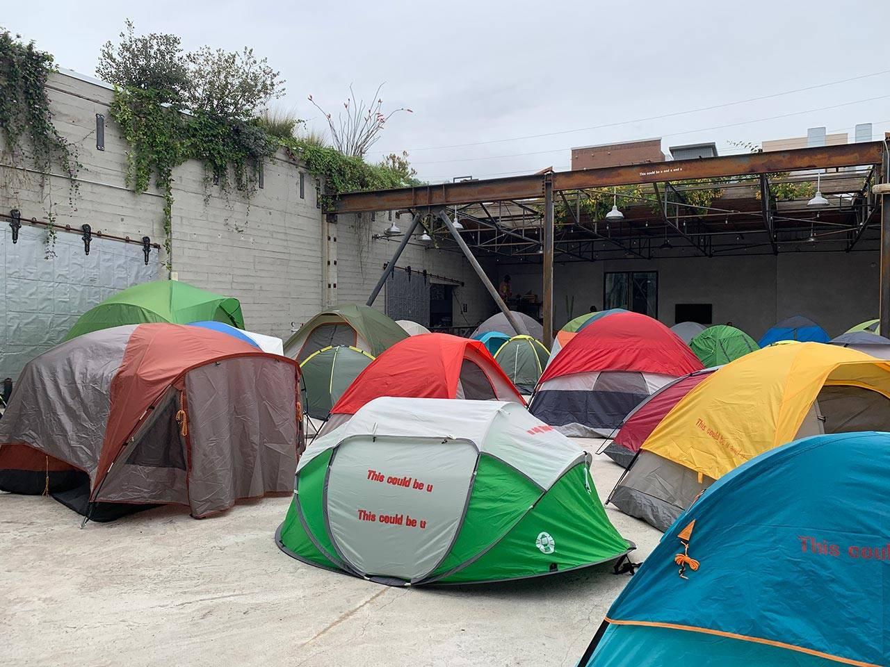 דיוויד האמונס, גלריית האוזר אנד ווירת׳, לוס אנג׳לס