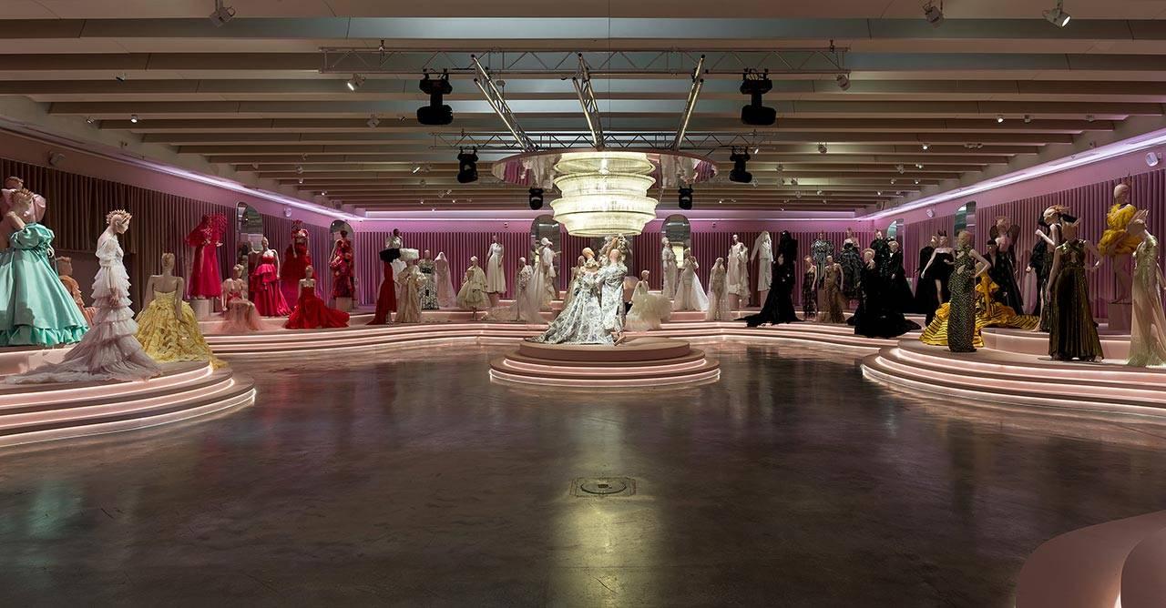 תערוכת הנשף, מוזיאון העיצוב חולון. צילום: אלעד שריג