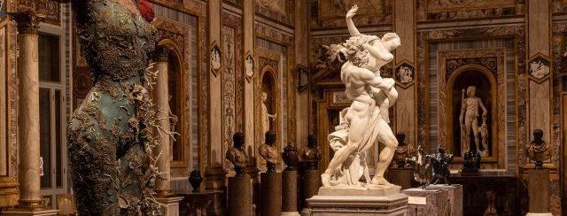 דמיאן הירסט ברומא. צילומים: א. נובלי, גלריה בורגזה, דמיאן הירסט